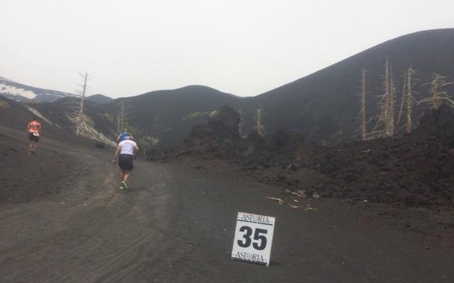 Vertical ETNA, de la mer au volcan, 43km, jusque 3.000m d altitude.
